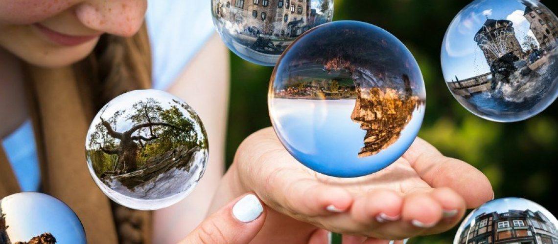 glass-ball-1767291-1280-1
